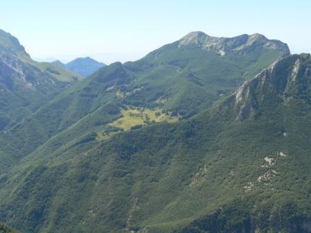 l'alpeggio di Puntato sotto il m.Corchia